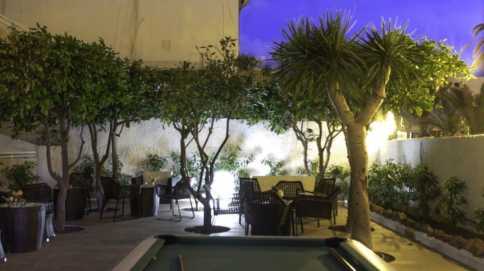 GARTEN Hotel Coral California